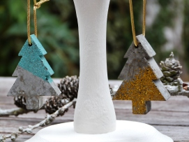 Mini Hanging tree decorations in grey concrete with green glitter paste or gold glitter decoration